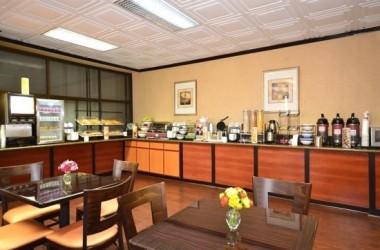 comfort-inn-suites-lax-airport-free-breakfast