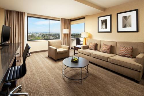 Westin los angeles airport los angeles airport lax for Dog hotels los angeles